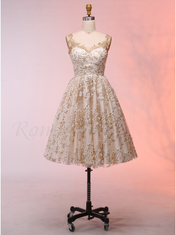 0b9a773fa2f31 A-Line Scoop Champagne Short Homecoming Dress with Appliques ...