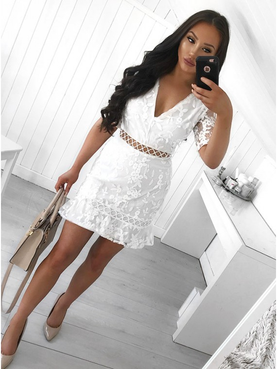 b773be9b0a9 Sheath V-Neck Short Sleeves Above-Knee White Lace Homecoming ...