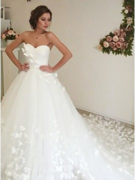 Ball Gown Sweetheart Court Train White Wedding Dress with Appliques