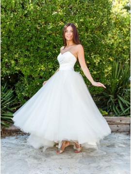 A-line Sweetheart Ankle-Length White Simple Tulle Wedding Dress