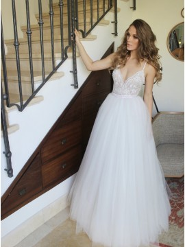 A-Line Spaghetti Straps Floor-Length White Wedding Dress with Lace Beading