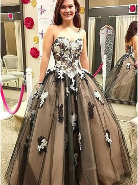 Ball Gown Sweetheart Floor-Length Black Prom Dress with Appliques