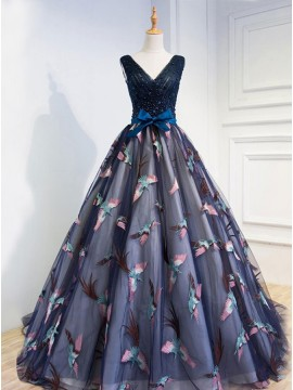 Ball Gown V-Neck Lace-Up Beaded Black Prom Dress with Appliques Sash
