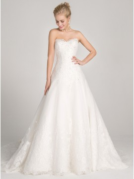 Ball Gown Sweetheart Court Train Lace-Up Wedding Dress with Appliques Beading