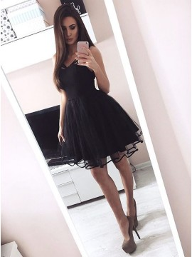 A-Line V-Neck Short Black Tulle Homecoming Dress with Pleats