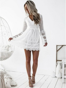 A-Line V-Neck Long Sleeves Criss-Cross Straps White Lace Prom/Homecoming Dress