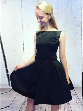 A-Line Bateau Open Back Short Black Homecoming Dress