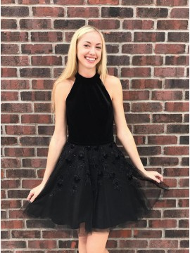 A-Line Jewel Short Black Homecoming Dress with Appliques Beading