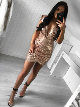 Sheath Deep V-Neck Cap Sleeves Short Gold Sequined Homecoming Cocktail Dress with Ruched