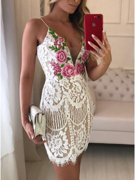 Sheath Spaghetti Straps Short White Lace Homecoming Cocktail Dress with Appliques