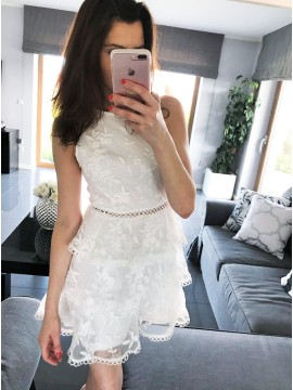 A-Line Crew Sleeveless Short White Tiered Lace Homecoming Party Dress