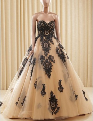 Ball Gown Champagne Sweetheart Long Prom Dress with Lace Appliques