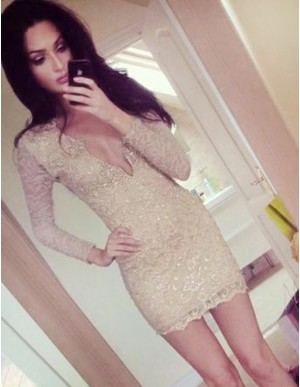 Sheath Deep V-Neck Long Sleeves Short Light Champagne Lace Cocktail Dress