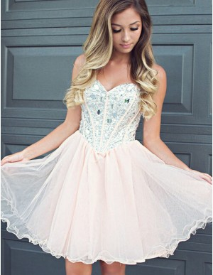 A-line Sweetheart Beading Pearl Pink Short Homecoming Cocktail Dress