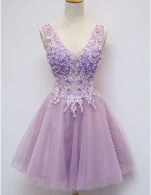A-Line V-Neck Sleeveless Short Lilac Homecoming Cocktail Dress with Appliques