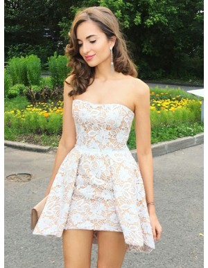 A-Line Sweetheart Short Champagne Lace Homecoming Dress