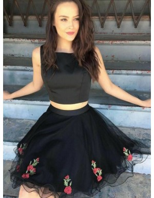 Two Piece Square Short Black Homecoming Dress with Appliques