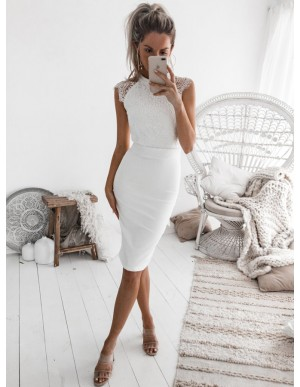 Sheath Jewel Knee-Length White Homecoming Party Dress with Lace Bodice
